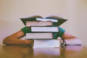 美国大学申请文书奇葩题目:是表达自己还是讨好学校?