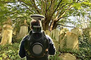 BBC英语大破解: Mapping the dead 为海格特公墓绘制地图