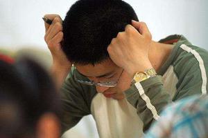 疫情下的高考班:每周上直播课48小时