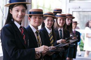 进入国际优信彩票学校 后应该怎样提高自己?