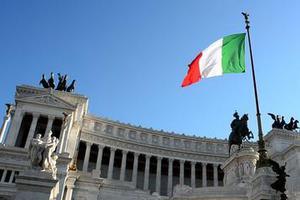 意大利内政部:逾8万非法移民已递交合法化申请
