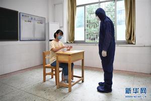 """考前探訪高考""""隔離考室""""見聞:哪里不一樣"""