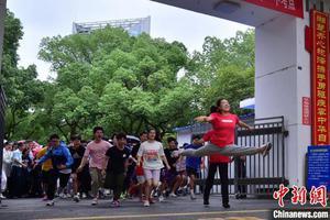一字馬女孩考上中國美院 教練:一切不是偶然