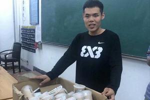山东一高校班长给班里49位同学买奶茶 全班晒朋友圈