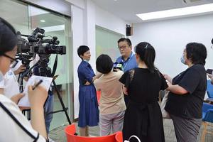 上海高考评卷组长:满分作文较往年多 没有零分作文