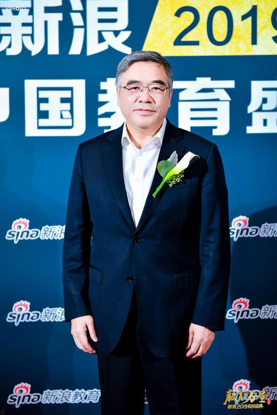 全国政协副秘书长、民进中央副主席 朱永新