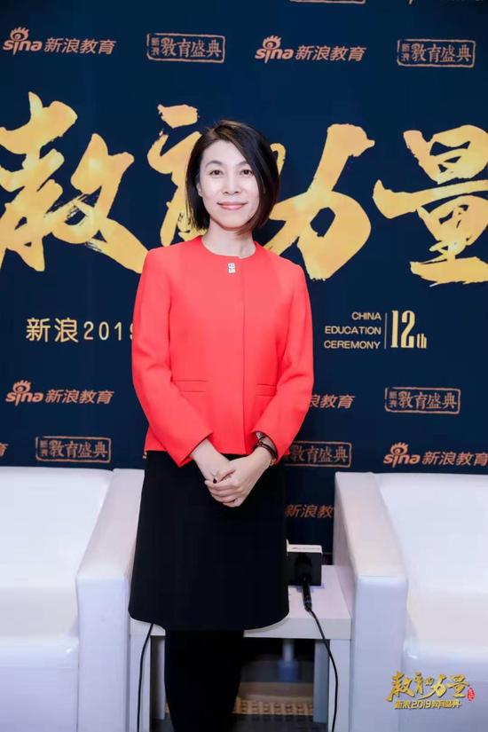 2019新浪教育盛典访谈:天津惠灵顿学校杨洋