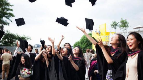 英国高校日益受到中国学生青睐(英国《泰晤士报》网站)