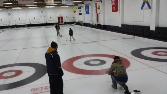 国际学校冰壶课