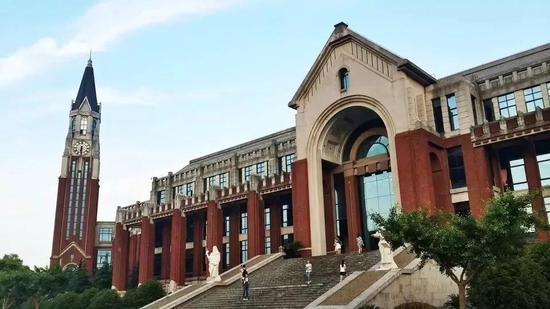 华东政法大学/图片来自互联网