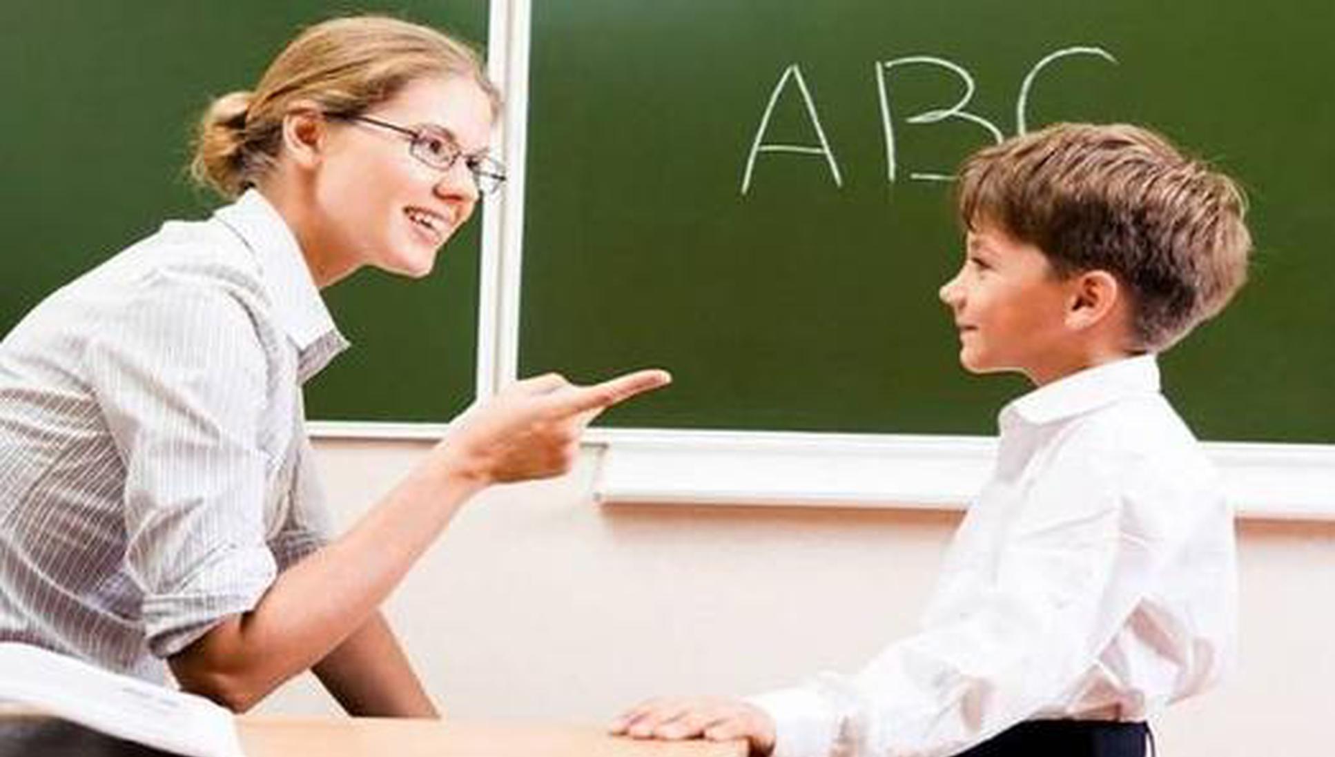 虚构入境事由资格证书造假 外教任职审核引质疑