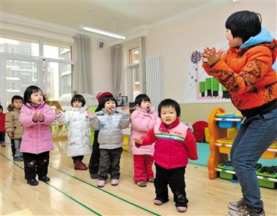 相比海外标准化、专业化的成熟运营服务体系,目前中国市场上的托育中心几乎没有专业独立的培育体系。
