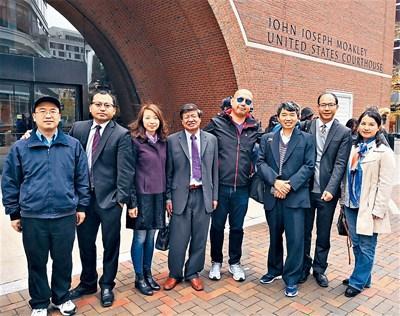 亚裔学生申请名校门坎高 华人高度关注哈佛诉讼案