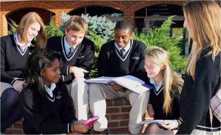 冲刺藤校学生注意:美国高中留学需要重读9年级
