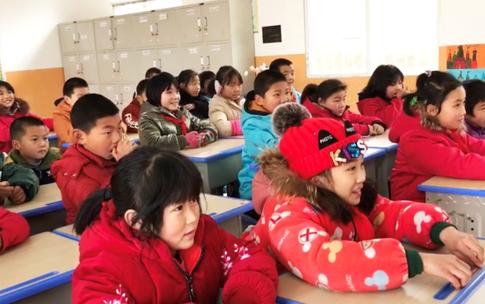 一大早,就在等待和蔡老师直播看大海的孩子们