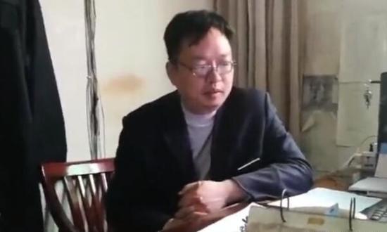 """""""清华学子毕业返乡当保安""""当事人回应外界质疑"""