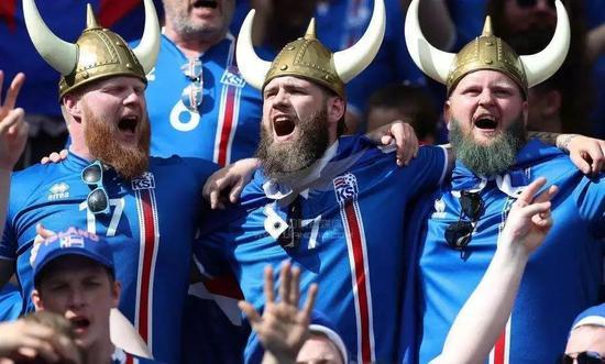 冰岛队竟是牙医导演木匠凑的?