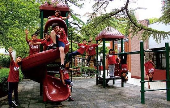 北京老牌国际学校BISS面临倒闭 学生近日暂时复课