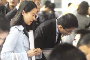 香港高校奖学金吸引上海学生 港大网报数超5000
