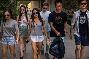 外媒:抱团、散漫、没自信 中国留学生为啥遭嫌弃