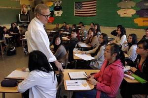 年少越洋离家 留学美国高中的优势到底在哪