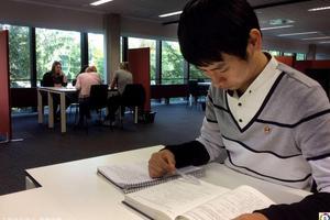 留学打工方向越来越多 留学生该如何选择