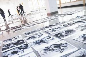 2018山东美术统考阅卷现场 10多万份考卷6类打分