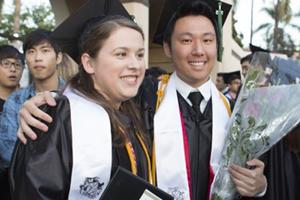 中国低龄小留学生成美国私立高中主力