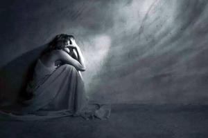 孩子在抑郁症崩溃边缘独自抵抗 家长该怎么办