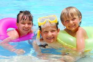 """澳洲小学生独特的的体育教育 全民皆""""泳"""""""