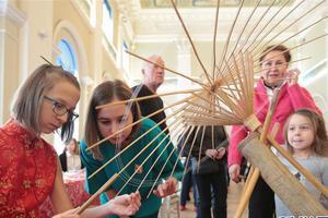圣彼得堡举办中小学春节联欢节(图)