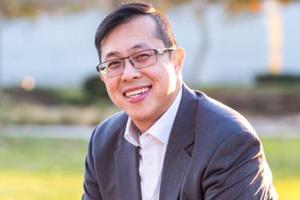 美长堤现首位华裔市议员候选人 称要改善小区生活