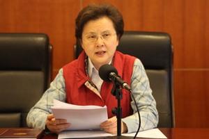 政协委员:不建议孩子过早地出国留学