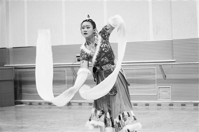 艺考舞蹈学类专业考试现场