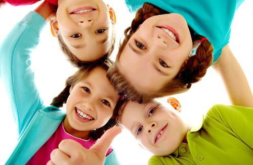 让你的孩子像美国孩子一样自信 请遵守这四原则