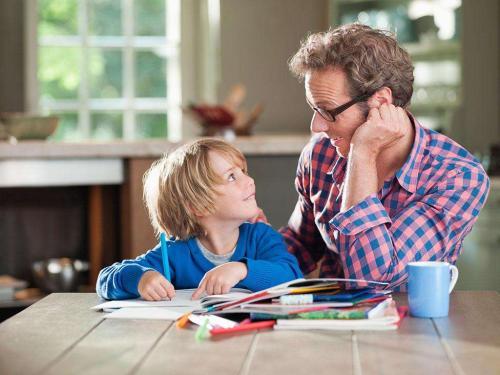家长拼命送孩子出国 真的可以谋个好前程吗