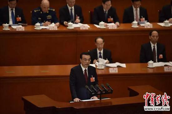 3月5日上午,十三届全国人大一次会议开幕会在人民大会堂举行。中国青年报·中青在线记者 王婷舒/摄