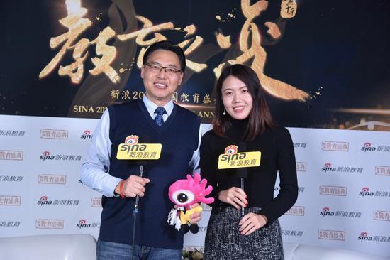 深圳奥斯翰外语学校 方宏倬校长(左)