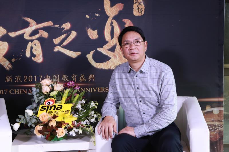 小桔灯教育的创始人兼董事长杨贤耀