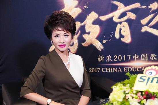 雅致人生女性学习成长学院环球总院院长杨路