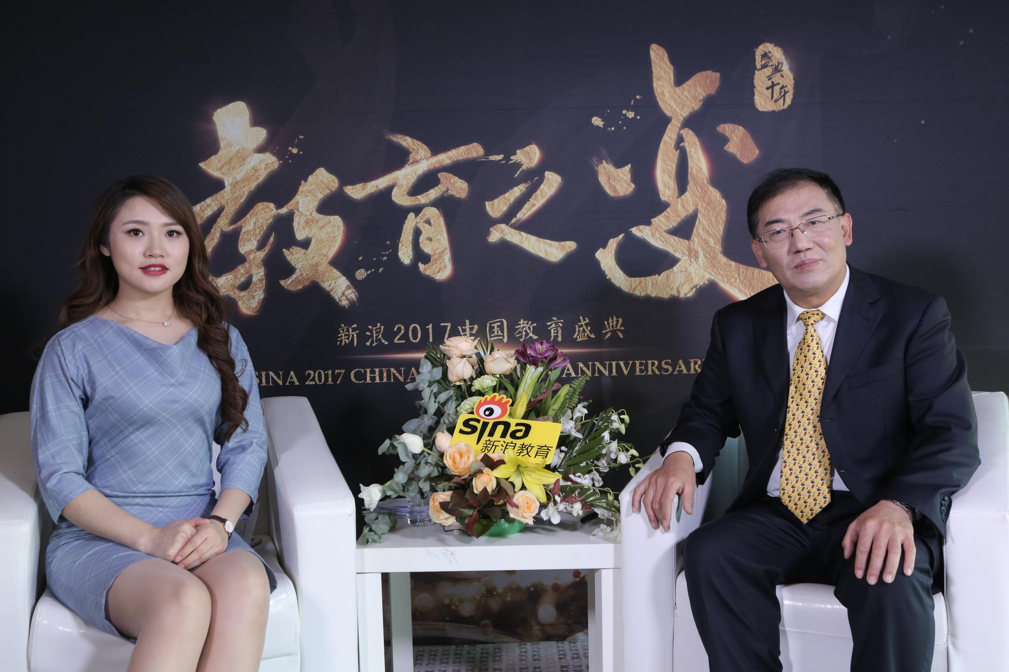 青岛科技大学中德科技学院的副院长刘中冬