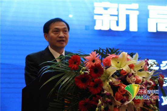 中国高等教育学会副会长张大良致辞。代红玉供图