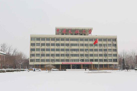 中国民航大学校园雪景 王凯 庞杰摄