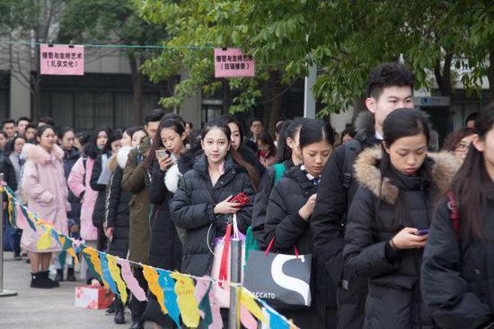 2018浙江艺考风云再起 7.8万人次报考中国美院