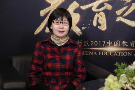 北京外国语大学网络与继续教育学院副院长唐锦兰教授