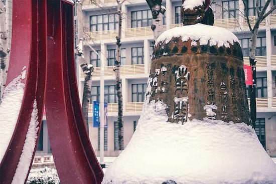 南开大学校园雪景 聂际慈摄