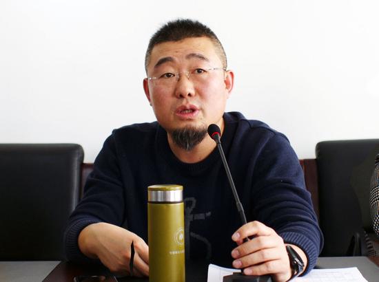 图1:工商学院常务副院长赵卫星老师出席座谈会