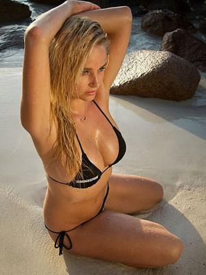 南非超模沙滩比基尼大片