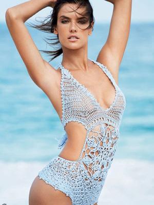 巴西名模安布罗休泳衣大片