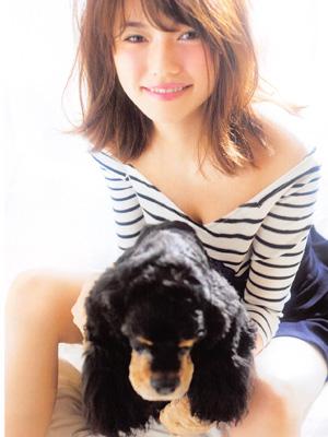 AKB48美少女温馨演绎爱宠大片